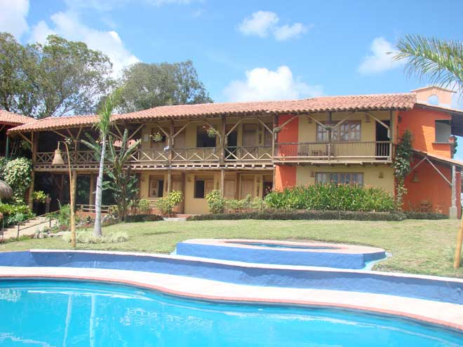 volunteer location in Colombia where participants teach English abroad