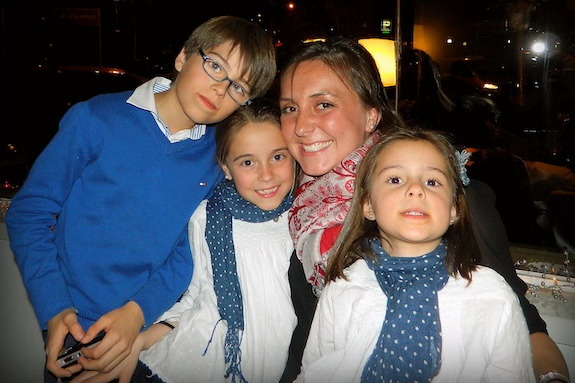 A GeoVisions au pair in Spain with her 3 host siblings.